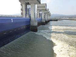 諫早湾の北部排水門