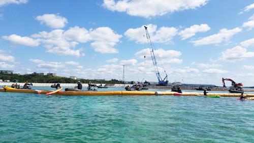 沖縄島周辺にて最大の規模をもつ辺野古の海草藻場で進められている護岸工事の現場